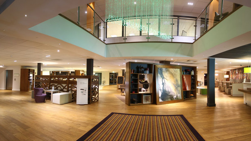 Holiday Inn Huntingdon - Racecourse-Entrance Lobby to the hotel, Free WIFI throughout<br/>Image from Leonardo