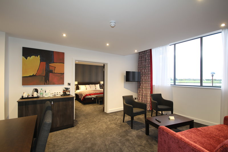 Holiday Inn Huntingdon - Racecourse-Adjoining Room<br/>Image from Leonardo