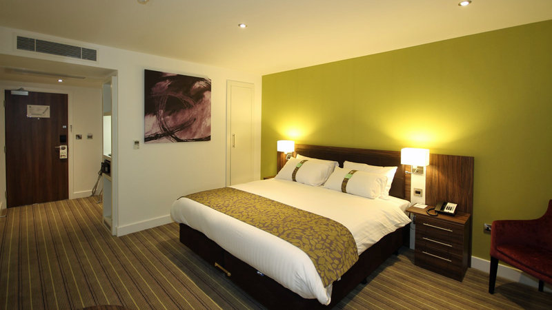 Holiday Inn Huntingdon - Racecourse-Double Bed Guest Room<br/>Image from Leonardo