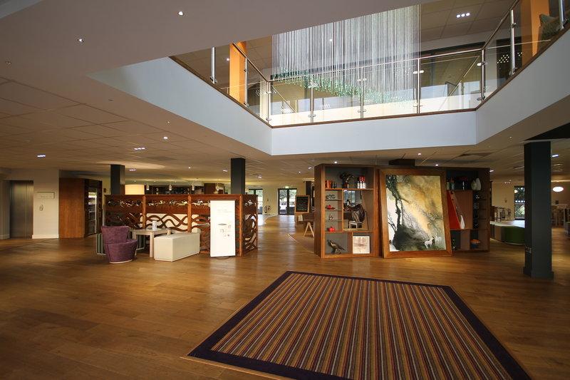 Holiday Inn Huntingdon - Racecourse-Hotel Lobby<br/>Image from Leonardo