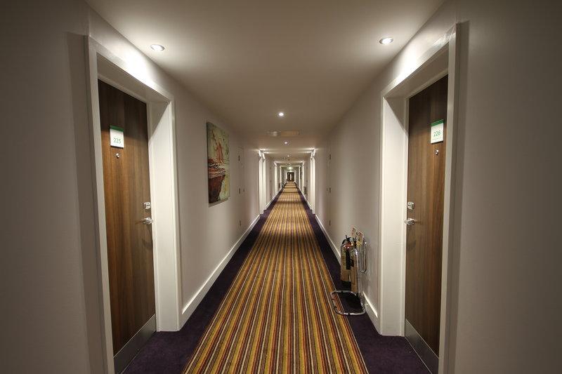 Holiday Inn Huntingdon - Racecourse-Hallway<br/>Image from Leonardo