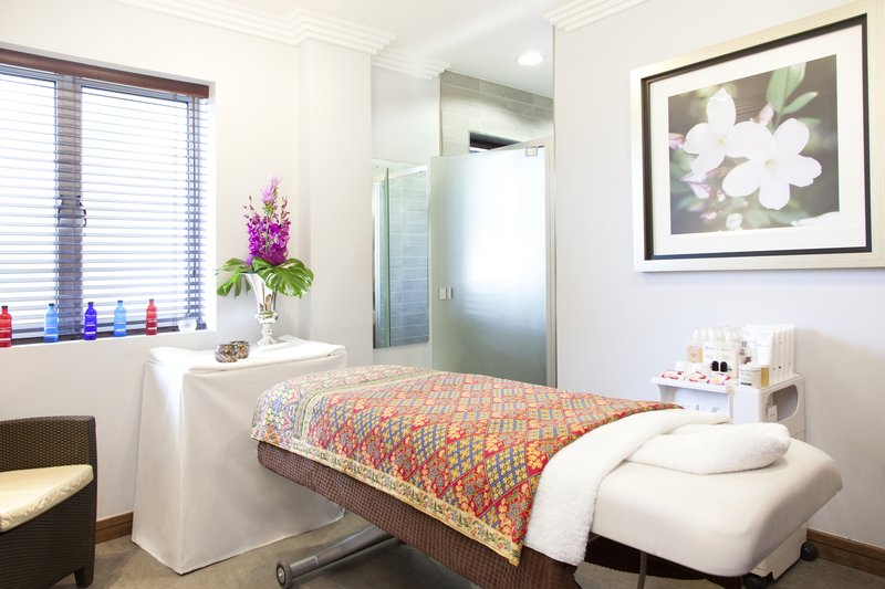 Crowne Plaza Reading-Crowne Plaza Reading - Revive Spa Relaxing Are<br/>Image from Leonardo