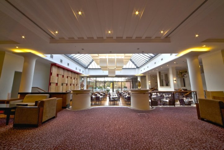 Crowne Plaza Reading-Guest Lounge<br/>Image from Leonardo