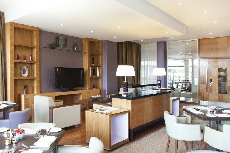 Crowne Plaza Reading-Crowne-Plaza-Reading-Club-Lounge-Breakfast-Set-Up<br/>Image from Leonardo