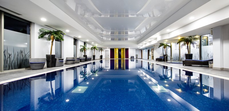 Crowne Plaza Reading-Indoor Pool<br/>Image from Leonardo
