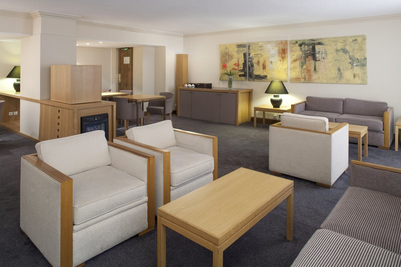 Crowne Plaza Toulouse-Club Lounge - Free access for our guests in Superiour rooms<br/>Image from Leonardo