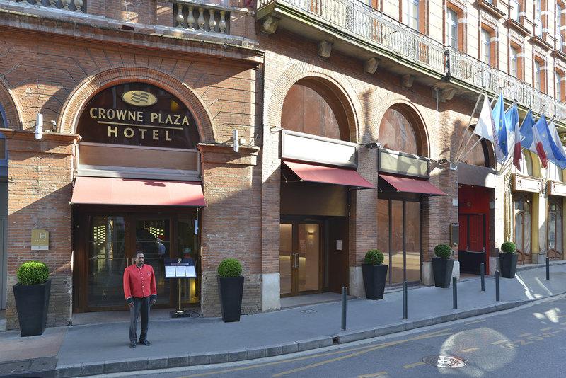 Crowne Plaza Toulouse-Hotel entrance<br/>Image from Leonardo