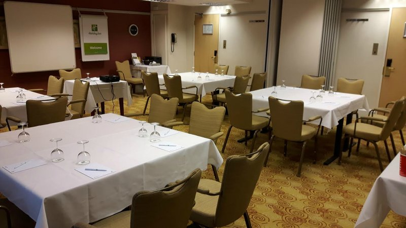 Holiday Inn Northampton-Cabaret Style in the Tudor Rose Suite great for group exercises.<br/>Image from Leonardo