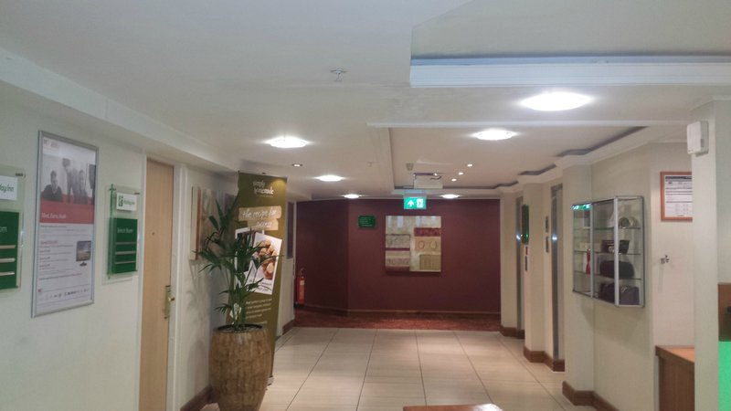 Holiday Inn Northampton-Even getting to your room is a treat. Plenty of space and light.<br/>Image from Leonardo