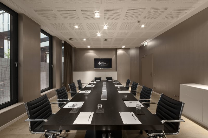 Hotel Indigo Berlin Centre Alexanderplatz-Boardroom with natural daylight<br/>Image from Leonardo