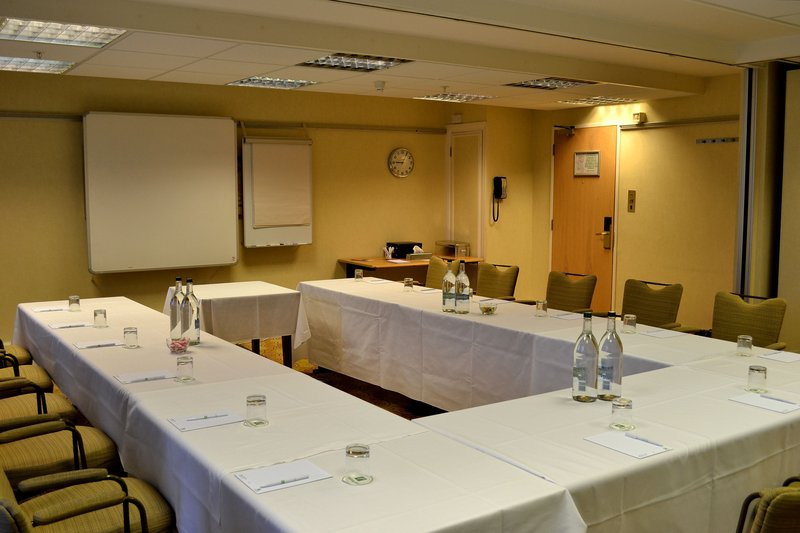 Holiday Inn Northampton-Tudor Rose room great for larger meetings or can be split<br/>Image from Leonardo