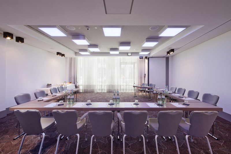 Hotel Indigo Berlin Centre Alexanderplatz-Meeting Room<br/>Image from Leonardo