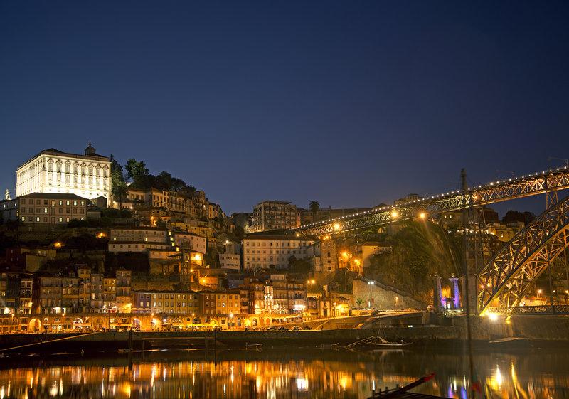 Holiday Inn Express Porto - Exponor-Ribeira by Night<br/>Image from Leonardo