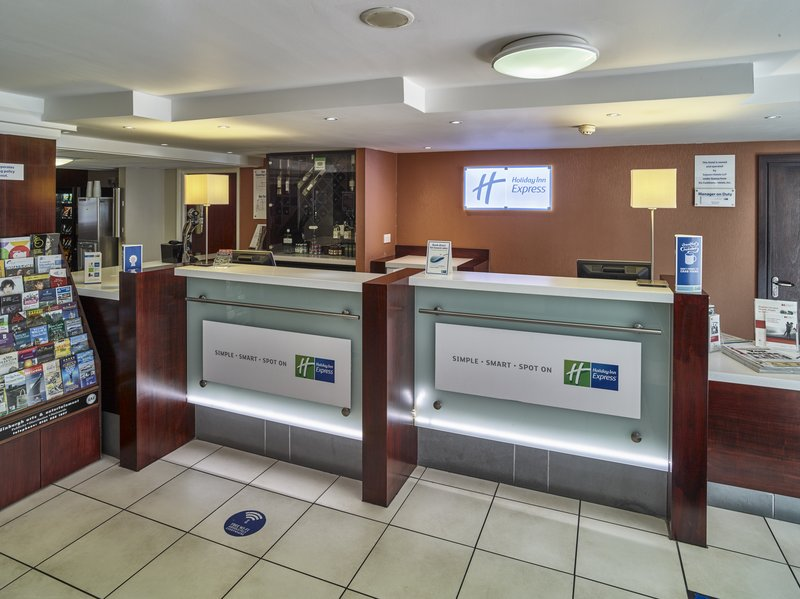 Holiday Inn Express Glenrothes-Reception Area<br/>Image from Leonardo