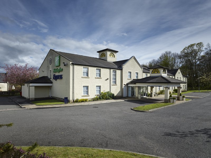 Holiday Inn Express Glenrothes-Hotel Exterior<br/>Image from Leonardo