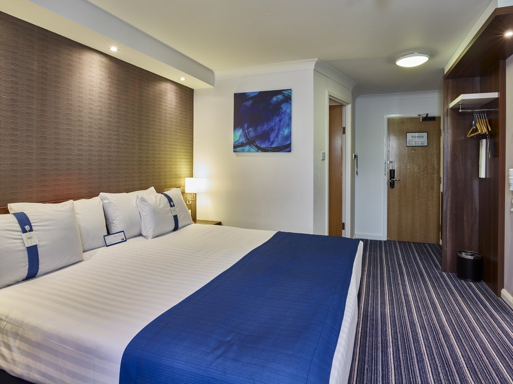 Holiday Inn Express Glenrothes-SuperKing Bed Guest Room<br/>Image from Leonardo