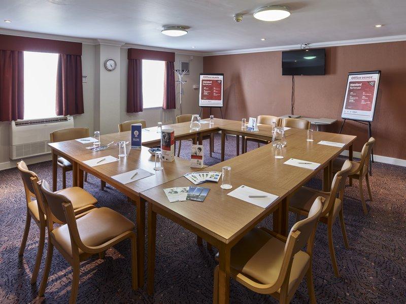 Holiday Inn Express Glenrothes-Meeting Room<br/>Image from Leonardo