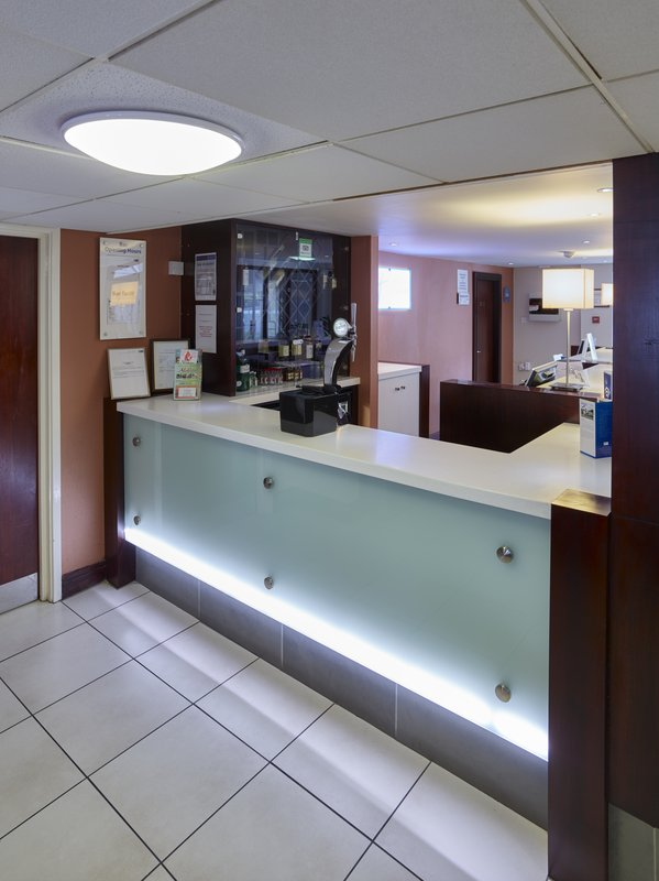 Holiday Inn Express Glenrothes-Bar and Lounge<br/>Image from Leonardo
