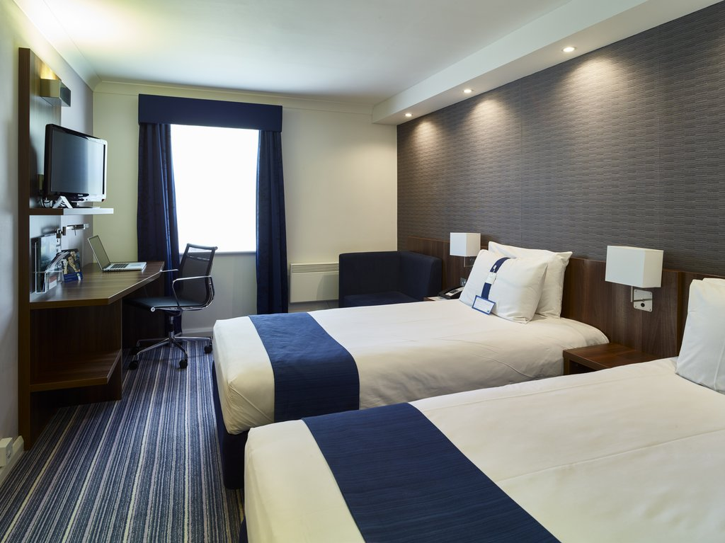 Holiday Inn Express Glenrothes-Twin Bedroom<br/>Image from Leonardo