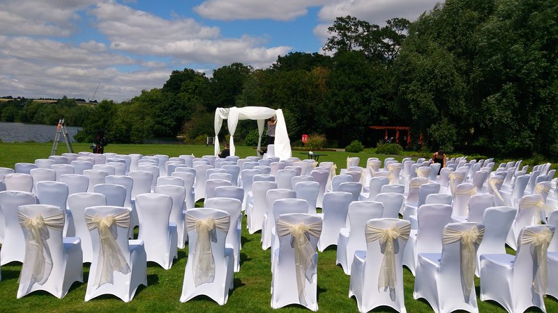 Crowne Plaza Marlow-Ceremony on the lawn<br/>Image from Leonardo