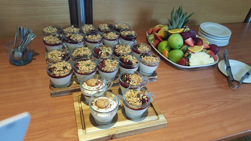 Holiday Inn Derby - Nottingham M1, Jct.25-Working buffet<br/>Image from Leonardo