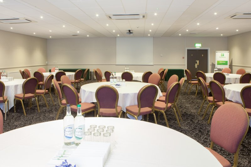 Holiday Inn Corby - Kettering A43-Heart Suite<br/>Image from Leonardo