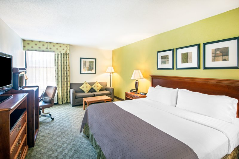 Holiday Inn Roanoke - Tanglewood - Rt 419 & I581-ADA/Handicapped accessible Guest Room<br/>Image from Leonardo
