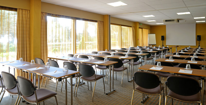 Holiday Inn Cannes-Meeting Room with natural daylight<br/>Image from Leonardo
