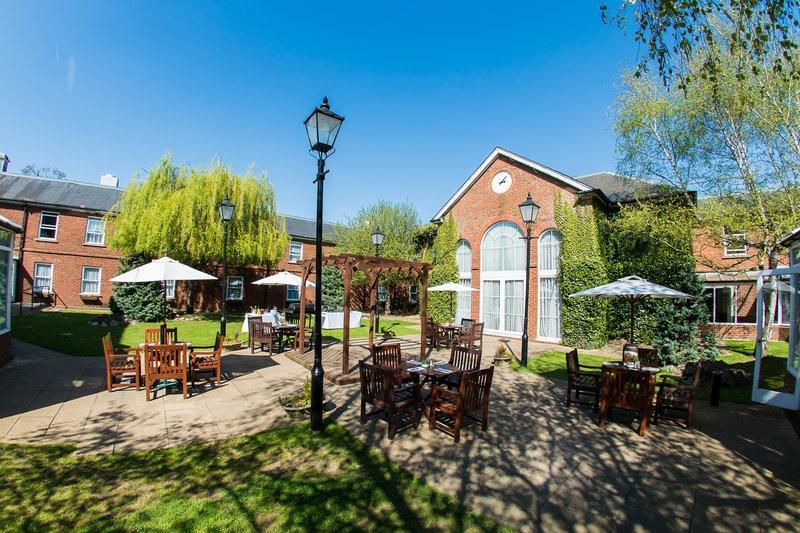 Holiday Inn Milton Keynes East M1, Jct.14-Stunning Courtyard awaits you on arrival<br/>Image from Leonardo