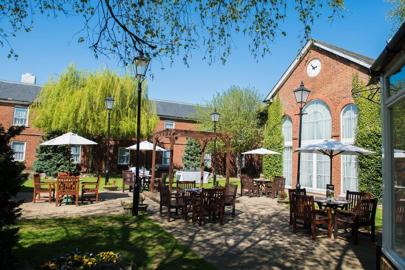 Holiday Inn Milton Keynes East M1, Jct.14-Beautiful Courtyard ideal on those sunny days<br/>Image from Leonardo