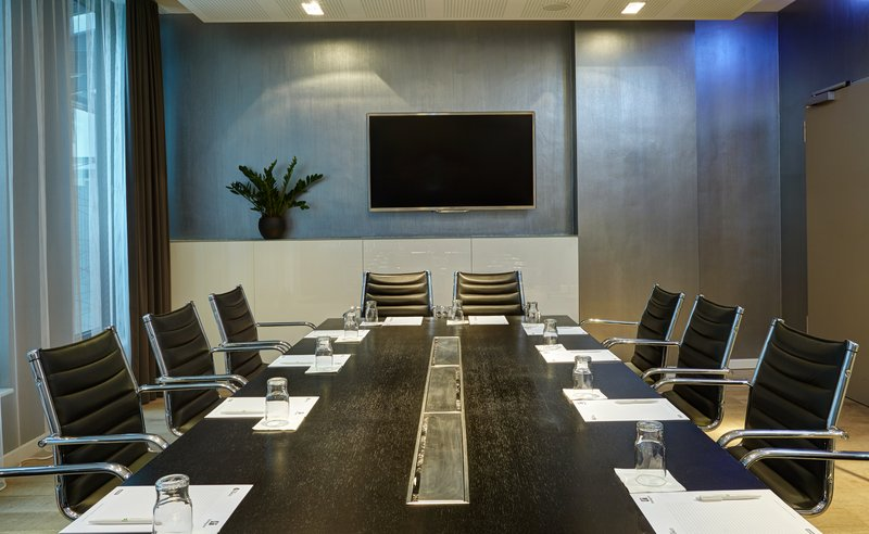 Holiday Inn Berlin Centre Alexanderplatz-Well-appointed Boardroom<br/>Image from Leonardo