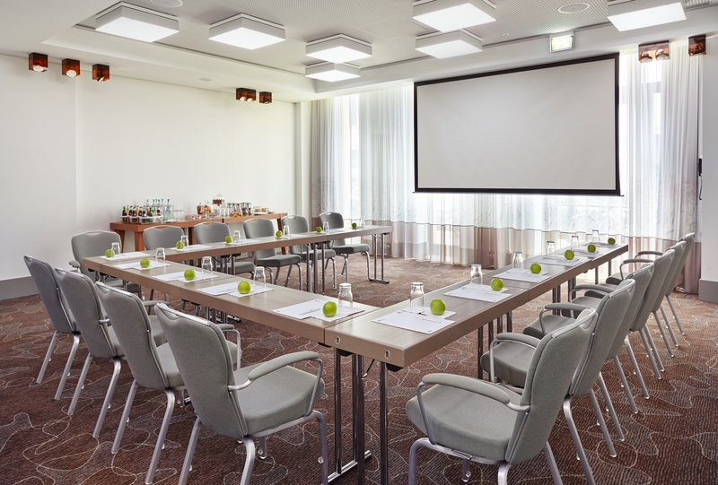 Holiday Inn Berlin Centre Alexanderplatz-Monbijou Meeting Room U-shape set up<br/>Image from Leonardo