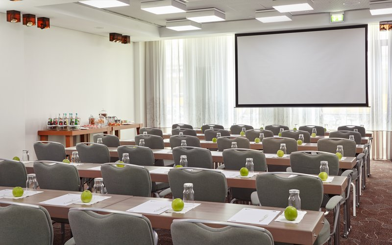 Holiday Inn Berlin Centre Alexanderplatz-Berlin Meeting Room Classroom Setup<br/>Image from Leonardo
