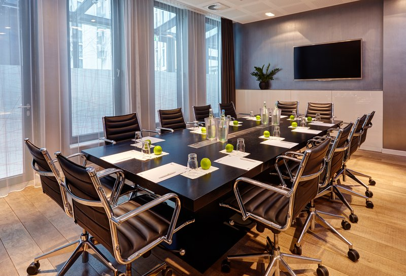 Holiday Inn Berlin Centre Alexanderplatz-Book our Boardroom for your business conference<br/>Image from Leonardo