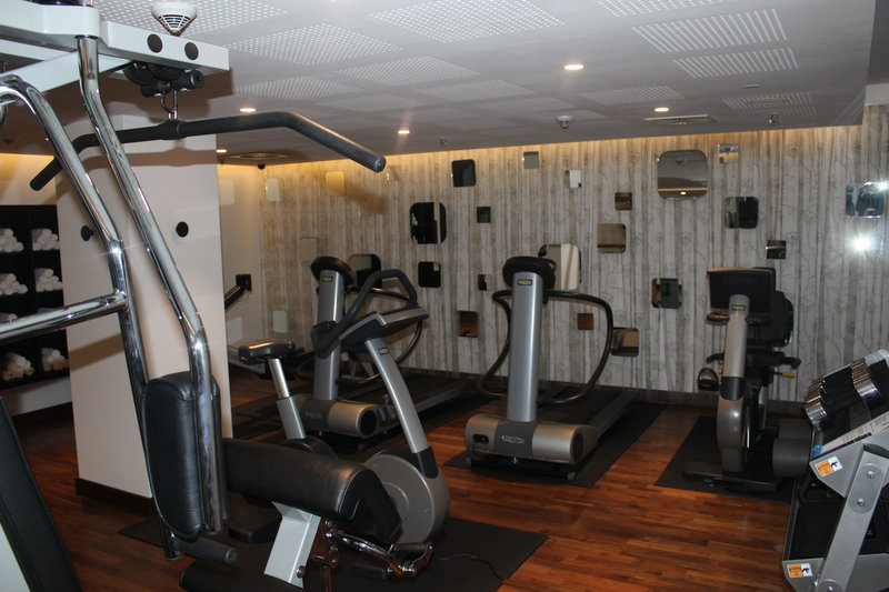 Holiday Inn Berlin Centre Alexanderplatz-Make use our modern 24 Hour Fitness Center<br/>Image from Leonardo