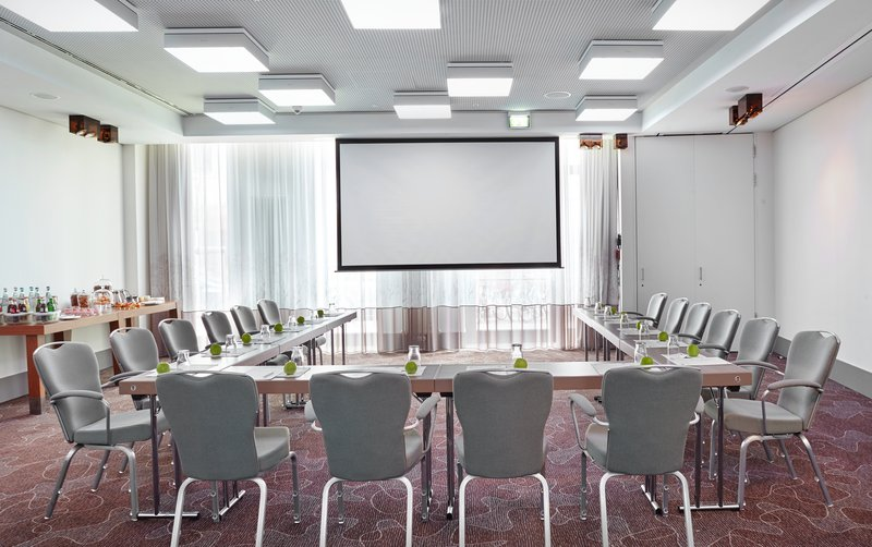 Holiday Inn Berlin Centre Alexanderplatz-Host your seminar in our Monbijou Meeting Room<br/>Image from Leonardo