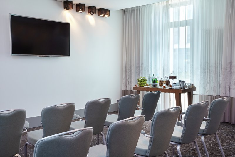 Holiday Inn Berlin Centre Alexanderplatz-Kollwitz Theatre Meeting Room<br/>Image from Leonardo