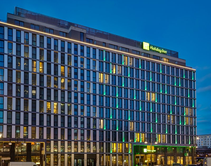 Holiday Inn Berlin Centre Alexanderplatz-Hotel Exterior Night<br/>Image from Leonardo