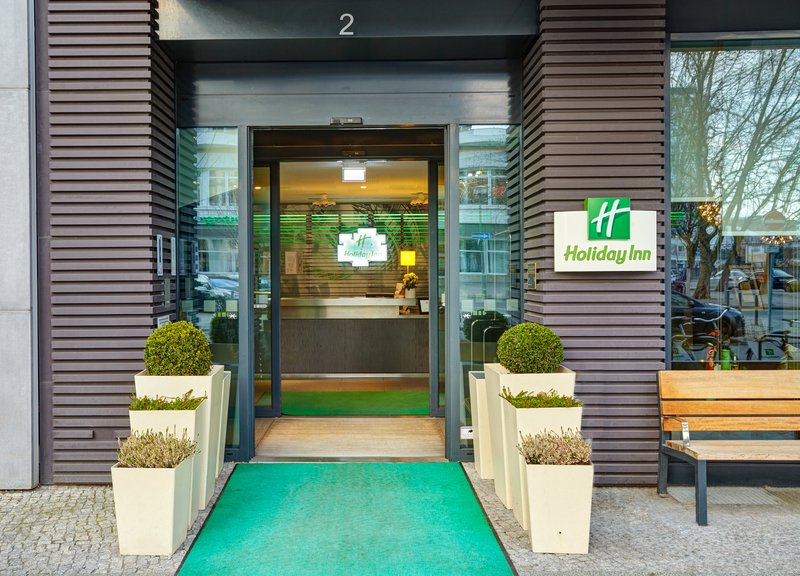 Holiday Inn Berlin Centre Alexanderplatz-Welcome to Holiday Inn Berlin Alexanderplatz<br/>Image from Leonardo