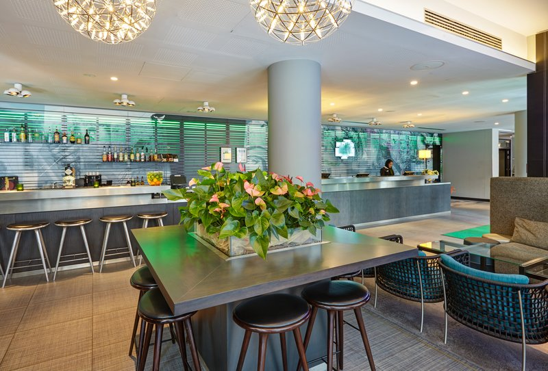 Holiday Inn Berlin Centre Alexanderplatz-Have a seat in our stylish Lobby and relax<br/>Image from Leonardo