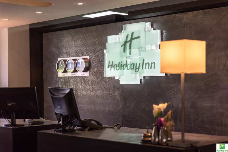Holiday Inn Cannes-Front Desk<br/>Image from Leonardo