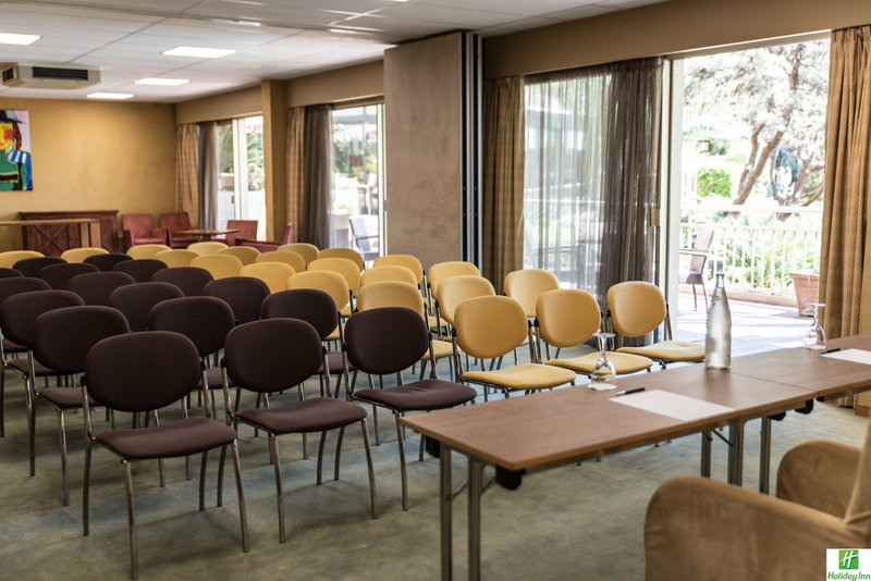 Holiday Inn Cannes-Meeting room Darjeeling<br/>Image from Leonardo
