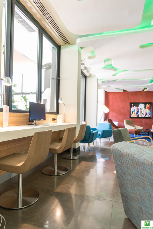 Holiday Inn Cannes-Stay connected with our Business Center free of charge<br/>Image from Leonardo