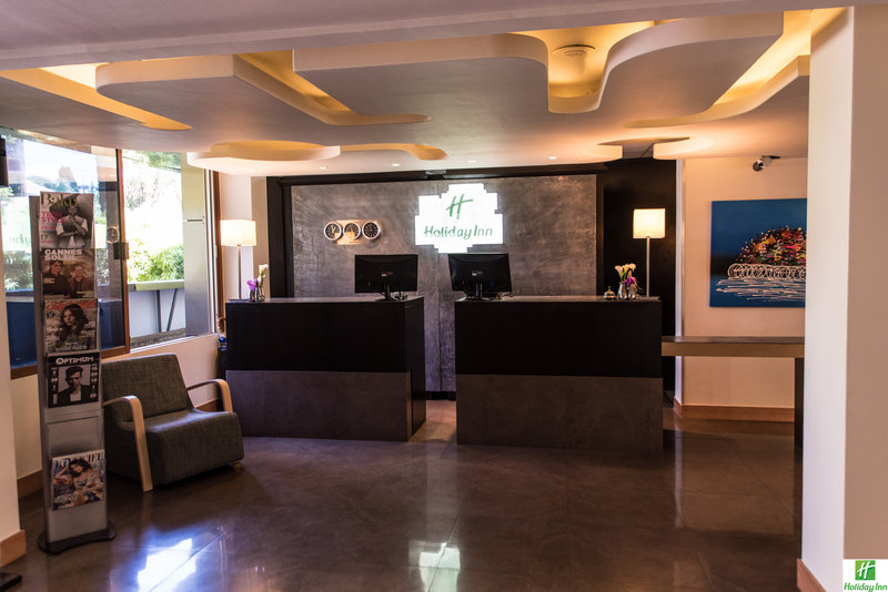 Holiday Inn Cannes-Reception<br/>Image from Leonardo