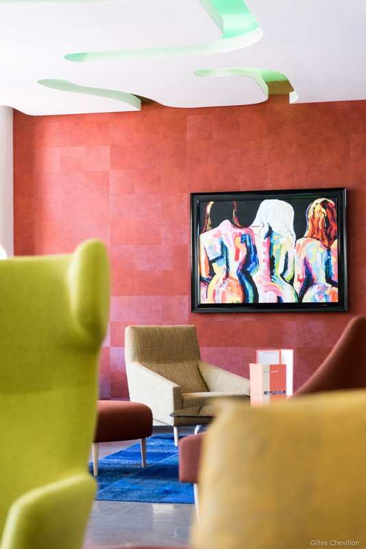 Holiday Inn Cannes-Hotel Lobby<br/>Image from Leonardo