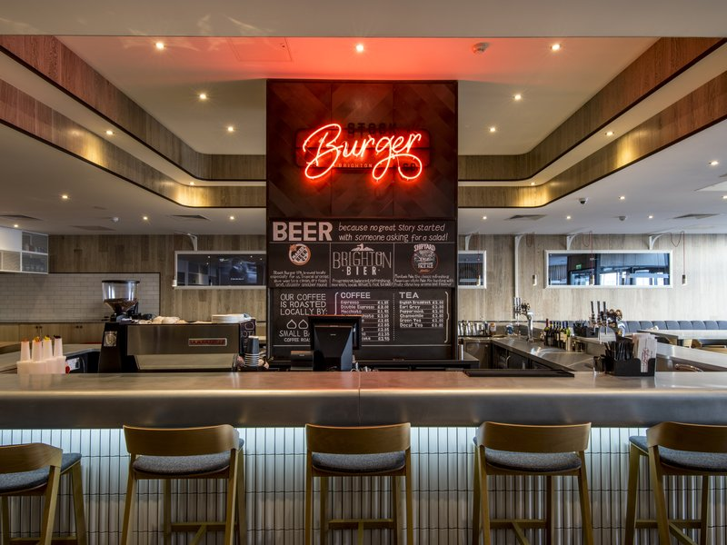 Holiday Inn Brighton - Seafront-Enjoy a cocktail at the bar<br/>Image from Leonardo
