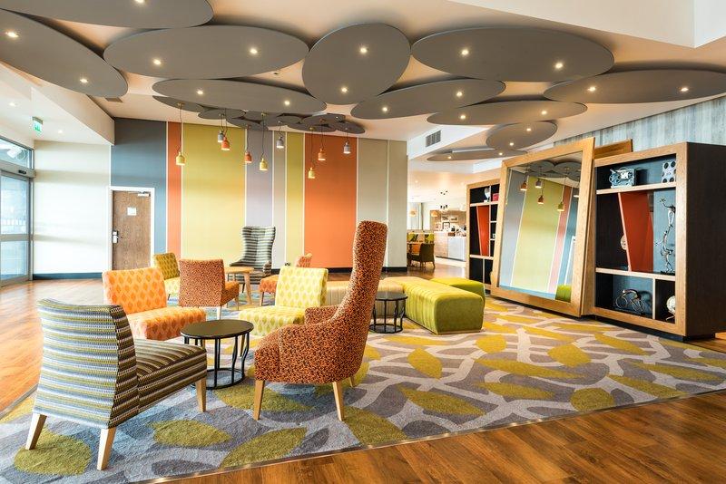 Holiday Inn Brighton - Seafront-Hotel Lobby<br/>Image from Leonardo