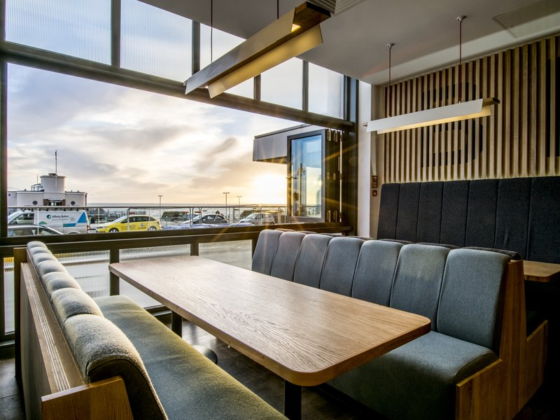 Holiday Inn Brighton - Seafront-Enjoy great views from our restaurant<br/>Image from Leonardo