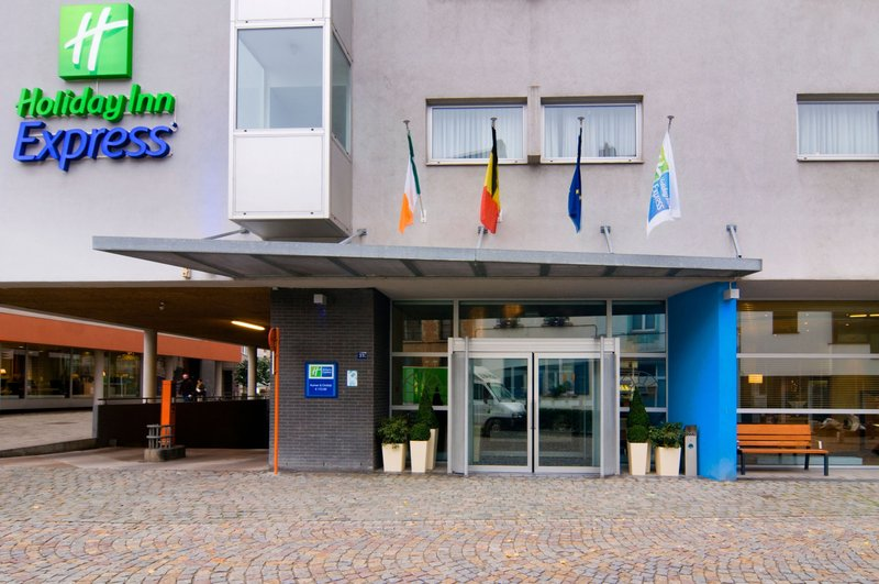 Holiday Inn Express Mechelen City Centre-Entrance - Holiday Inn Express Mechelen<br/>Image from Leonardo