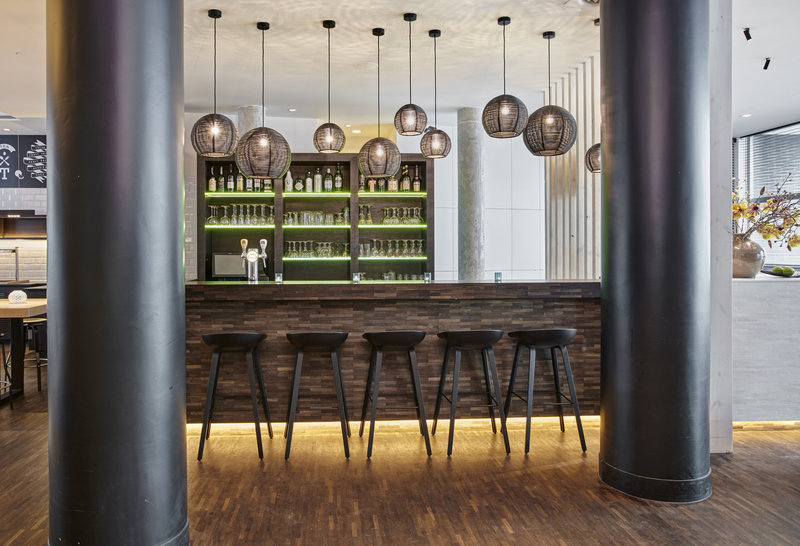 Holiday Inn Express Mechelen City Centre-Relax with a drink at the Lobby Bar<br/>Image from Leonardo